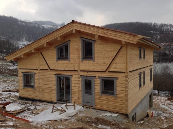 Construction et protection d 39 une maison en bois massifentretien du bois le blog du comptoir - La maison bois massif ...