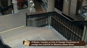 parquet et escalier d'un passage couvert à Nantes