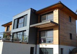 maison bois avec bardage red cedar et saturateur