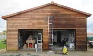 bardage bois en cours de dégrisement