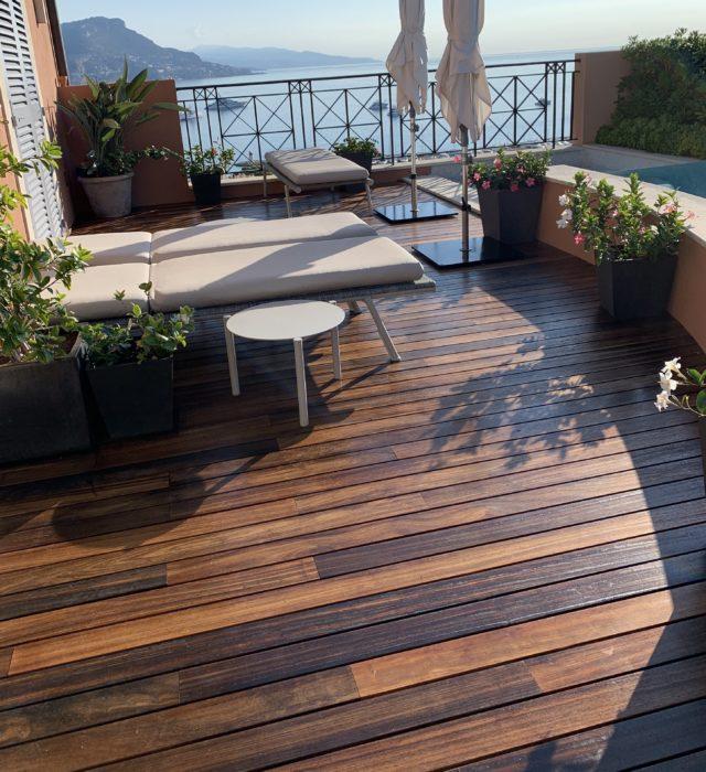 Terrasse en bois après l'application du produit Coriwood Terrasses Hydro