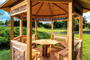 patio en bois entretenu avec la marque Durieu