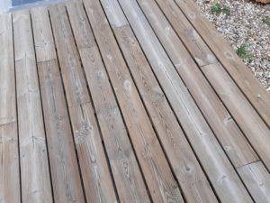 terrasse en bois protégée par un saturateur